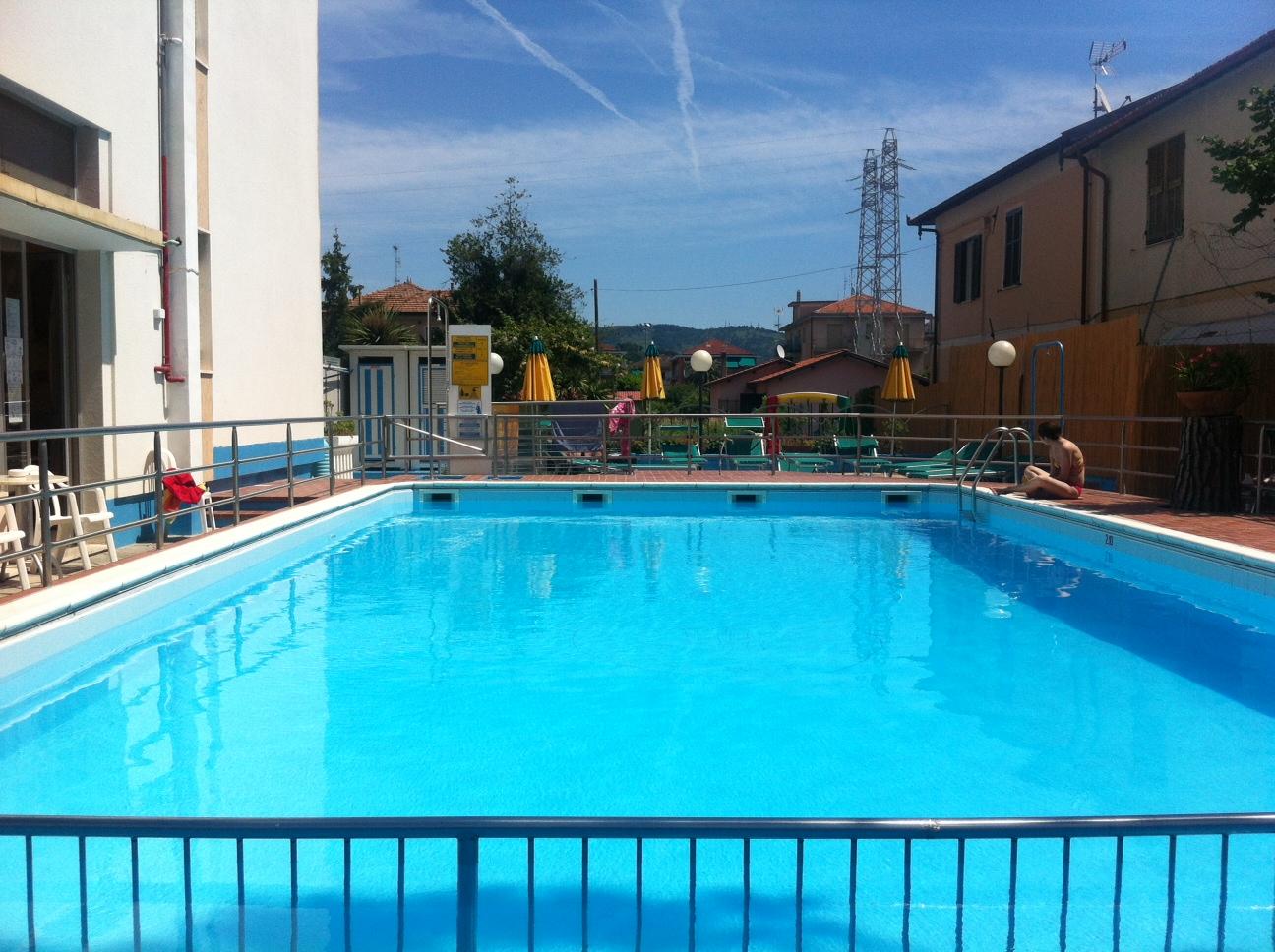 foto piscina astra