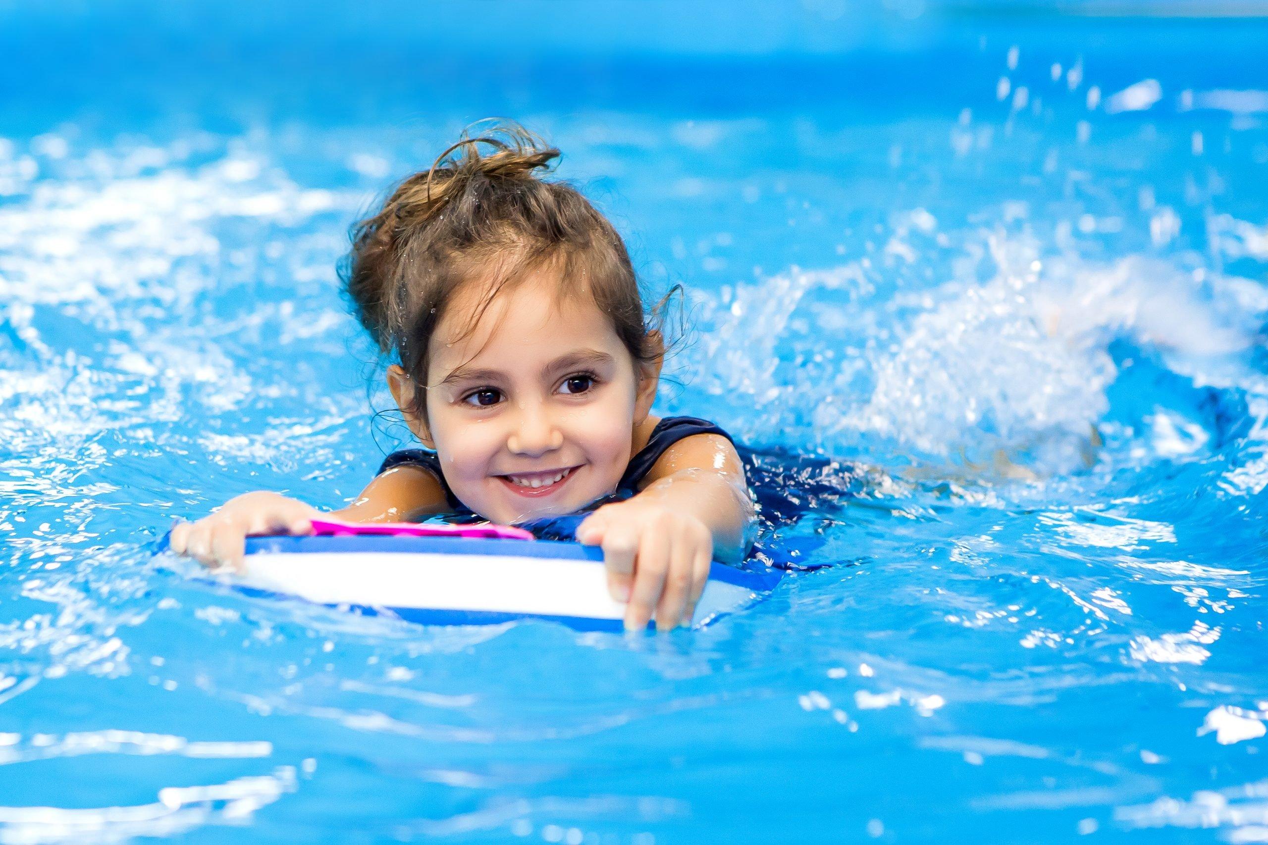 Sport-Bambina a Nuota