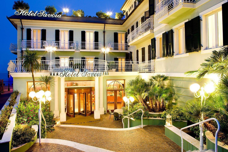 Facciata dell'hotel savoia