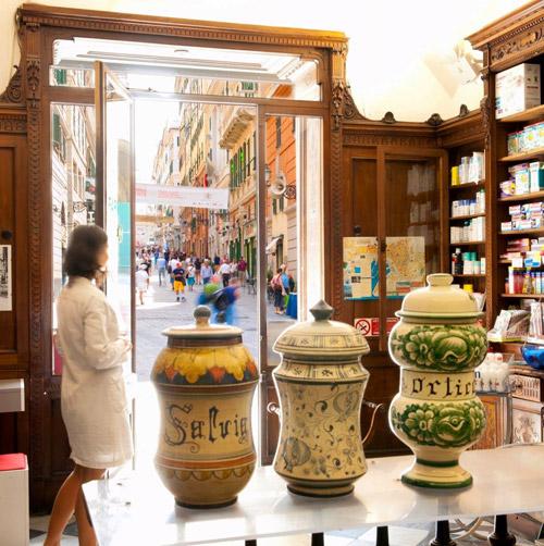 Botteghe storiche Genova Sormani Farmacia Operaia