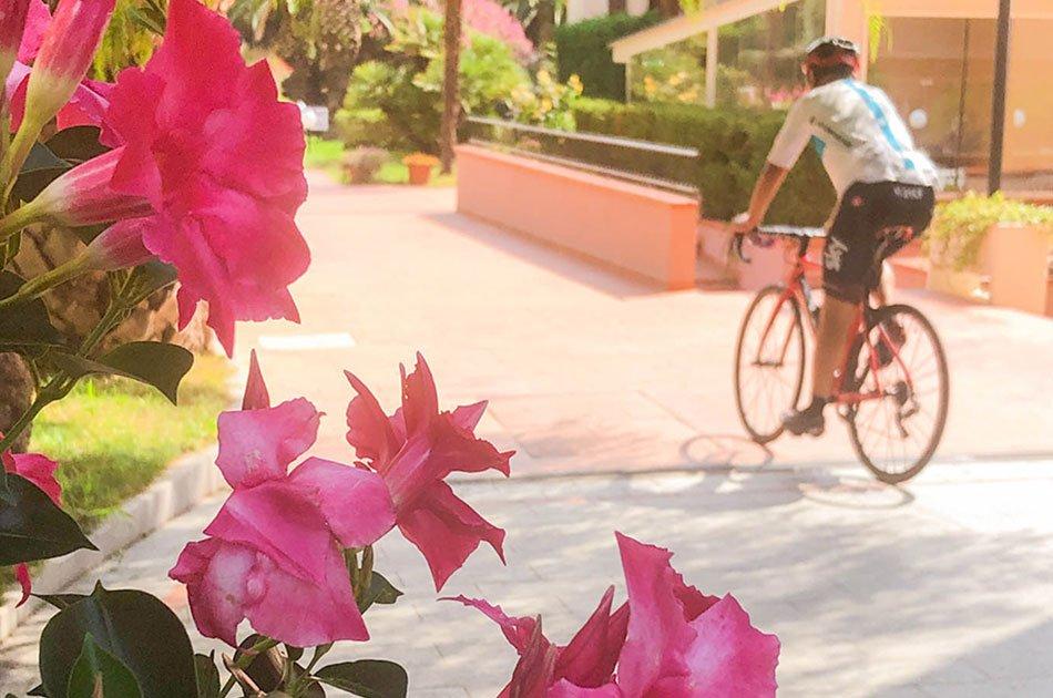 Loano-2-village-in-bici-quando-vuoi